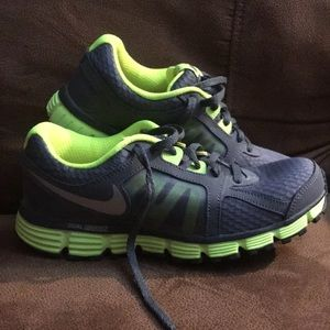 Brand new size 5.5 Y tennis shoes